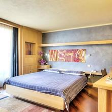 Meuble Hotel Ambrosini in Carona