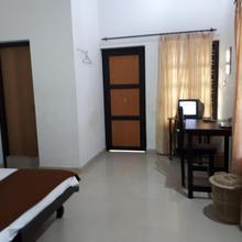 M.H. RESIDENCY in Vayittiri