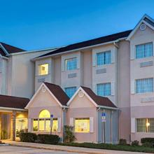 Microtel Inn And Suites By Wyndham - Lady Lake/ The Villages in Leesburg