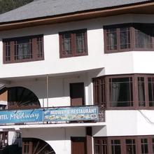 Mid-way Hotel Pahalgam in Pahalgam