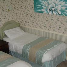 Midgley Lodge Motel & Golf Course in Penistone