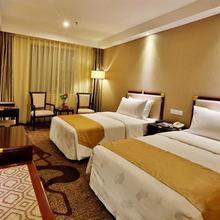 Minshan Yuanlin Grand Hotel in Baishiyi