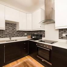 Modern 2 Bedroom Flat In Camden Town in Hendon