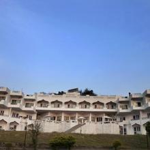 Monal Resort in Chandrapuri