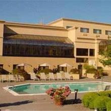 Monarch Hotel & Conference Center in Portland