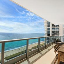 Monte Carlo Miami Suite in North Miami Beach