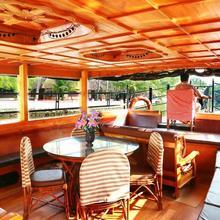 Moon lights House Boats Cruise in Kottayam