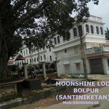 Moonshine Lodge in Shanti Niketan
