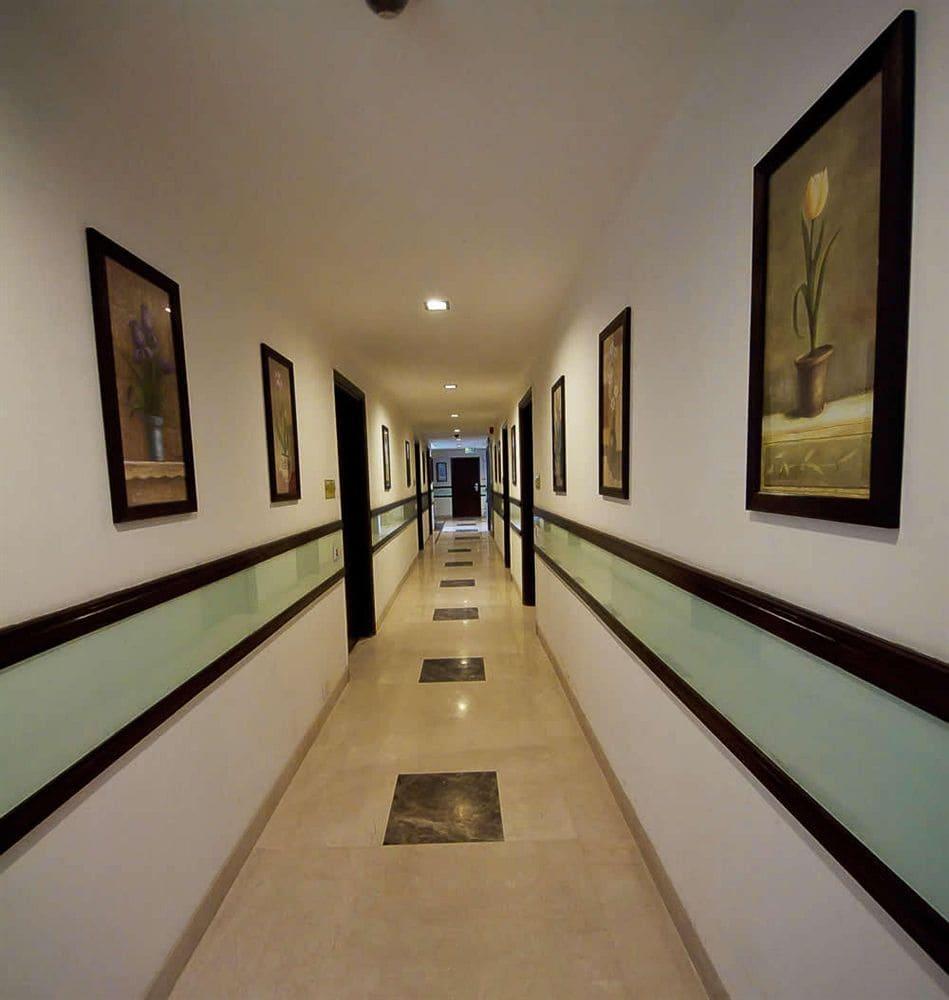 Hotel Divine Paradise in New Delhi