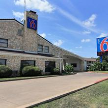 Motel 6 Austin Central - South/university Of Texas in Austin