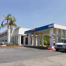 Motel 6 Claremont in La Verne