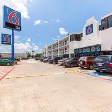 Motel 6 Houston Nrg Park in Houston