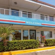 Motel 6 Los Angeles - Van Nuys/north Hills in San Fernando