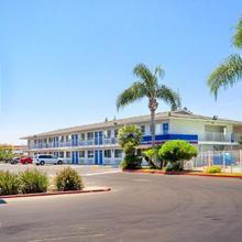 Motel 6 Tulare in Tulare