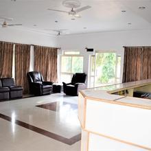 Motel Hotel Resort in Datia