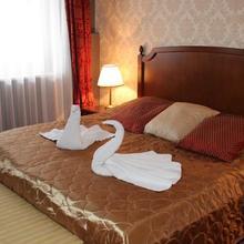 Mozart Hotel in Domaszek