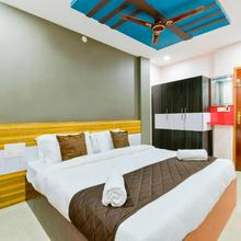 M.r Residency & Restaurant in Kayamkulam