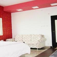 Ms9 Guest Inn in Alampur