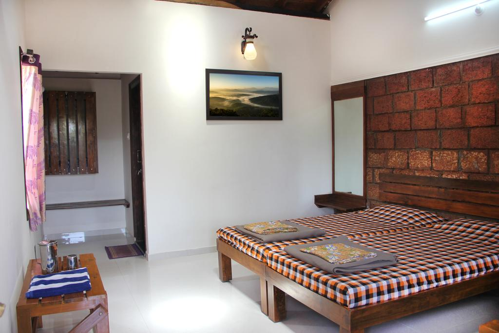 MSS Guest House in Aralagodu
