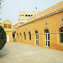 Mudfort Kuchesar Hotel in Babugarh