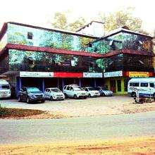 Munnar Downtown Hotel in Suryanelli