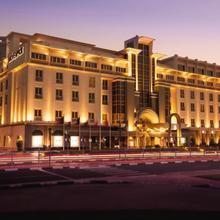 Mövenpick Hotel & Apartments Bur Dubai in Dubai