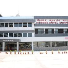 Mysore Hotel Complex in Mysore