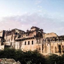 Narayan Niwas Castle in Mahansar