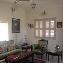 Narwar House in Sawer