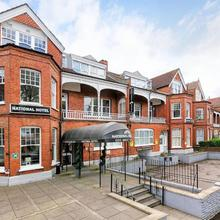 National Hotel in Hendon