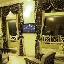 New Cape Hotel in Myladi