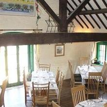 New Farm Restaurant - Restaurant with rooms in Yeovilton
