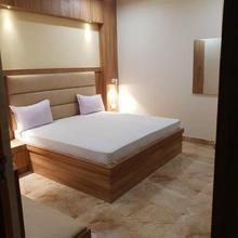 New Kumar Hotel in Chinhat
