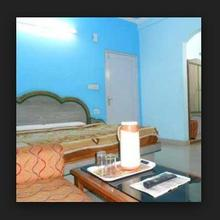 New Sanjay Guest House in Dami