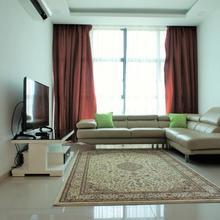 New Straits Apartment in Kuala Lumpur