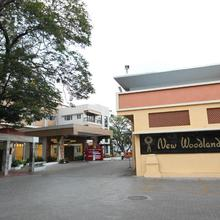 New Woodlands Hotel in Sendurai