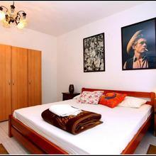 Nice Apartment Near The Sea Es3 in Materada