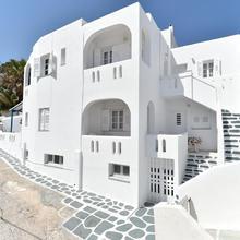 Nikolas Naousa Guesthouse in Naxos