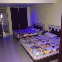 Nippy Guest House in Rayya