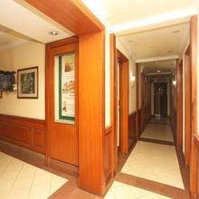 Nirula's Hotel in Noida