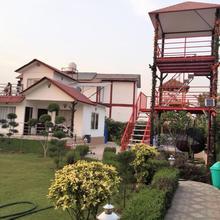 Noida Farmhouse in Faridabad