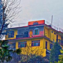 Nomads Hostel in Kasol