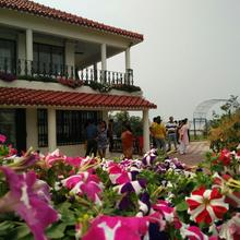 NONGORE HOLIDAY HOME in Chak Kashipur