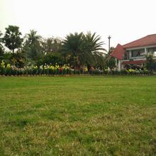 Nongore Holiday Home in Uluberiya