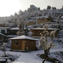 Oak Climbing Resort in Mukteshwar