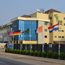 Oak Plaza Hotels East Airport in Accra