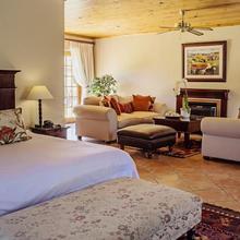 Oak Tree Lodge in Suider-paarl