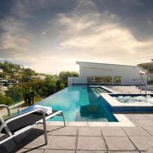 Oaks Gateway Suites in Townsville