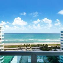 Ocean & Bayfront Apartment In Miami Beach in North Miami Beach