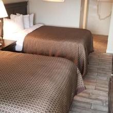Ocean Waves Hotel in Myrtle Beach